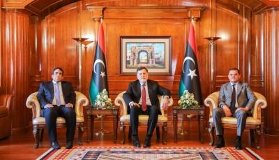 ليبيا.. السراج يسلم السلطة للدبيبة في مقر الحكومة بالعاصمة طرابلس