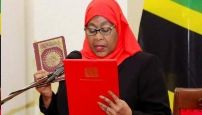 """أول امرأة تتقلد أعلى منصب.. من هي """"سامية حسن"""" رئيسة تنزانيا الجديدة؟"""