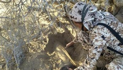تعز.. الفرق الهندسية تفكك عبوة ناسفة زرعها الحوثيون في المخا