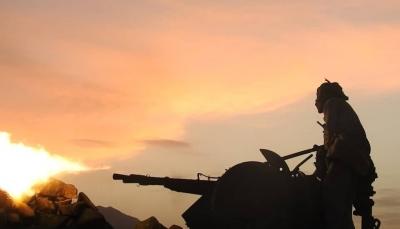 """مأرب.. اشتداد المواجهات في """"الكسارة"""" ومليشيا الحوثي تقصف مخيمات النازحين"""