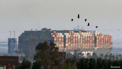 بضائع قد تنقطع من الأسواق بسبب أزمة الناقلة الجانحة بقناة السويس