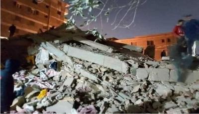 مصر.. عشرات القتلى والمصابين بانهيار مبنى في القاهرة عقب ساعات من فاجعة القطار