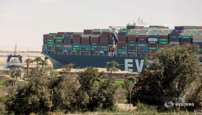 61 سفينة من إجمالي 422... آخر السفن العالقة تعبر قناة السويس اليوم السبت