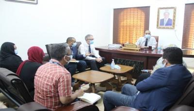 12 وفاة جديدة بكورونا.. وزير الصحة يبحث مع اليونيسف استلام الدفعة الأولى من اللقاح