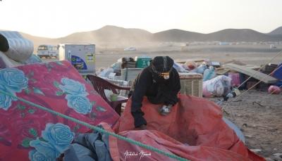 إصابة امرأة في قصف صاروخي لمليشيات الحوثي على مخيم للنازحين بمأرب