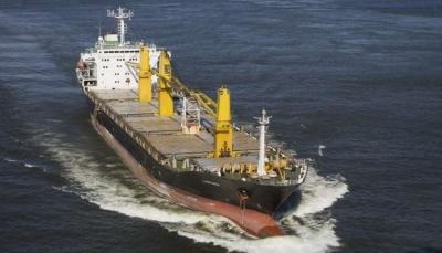 "طهران تؤكد استهداف سفينتها ""ساويز"" بالبحر الأحمر"
