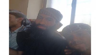 """تعز.. الإفراج عن الشيخ """"السبئي"""" بعد أكثر من عام على اختطافه في المخا"""