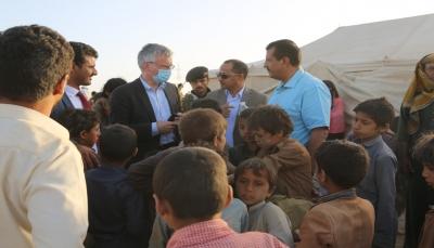 المبعوث السويدي إلى اليمن يزور مخيم السويداء للنازحين غربي مأرب
