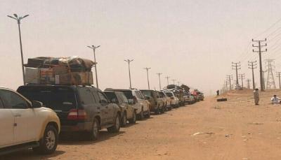41 نائباً يمنياً يطالبون قيادة الدولة بإنهاء أزمة العالقين في منفذ الوديعة