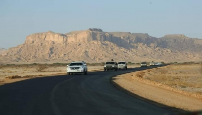 محافظ شبوة يفتتح مشروع طريق نوخان بعتق