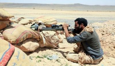 """الحوثيون يكثفون هجومهم على """"مأرب"""" الغنية بالنفط ولا يأبهون لأعداد قتلاهم (ترجمة خاصة)"""