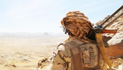 """الجيش يحرر مواقع """"حاكمة"""" غربي مأرب.. العرادة: هجمات الحوثي الانتحارية في نهايتها"""