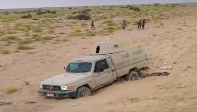 الجوف.. الجيش يكسر هجوما للحوثيين ويستعيد طقما وأسلحة متنوعة