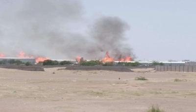 لحج.. حريق هائل بمستودع للأخشاب يتسبب بخسائر مالية كبيرة