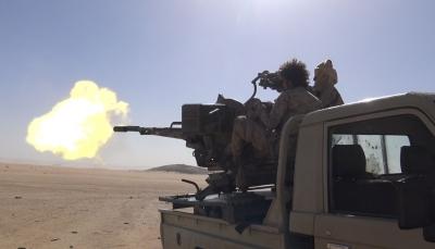قتلى وجرحى من الحوثيين وتدمير آليات في مواجهات وغارات جوية في مأرب والجوف