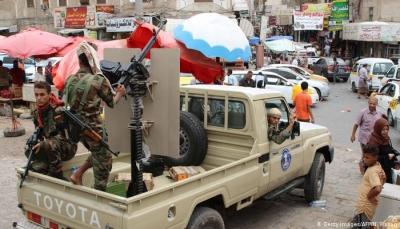 نقابة الصحفيين تطالب بحماية وسائل الإعلام في عدن وإعادة المقرات المنهوبة
