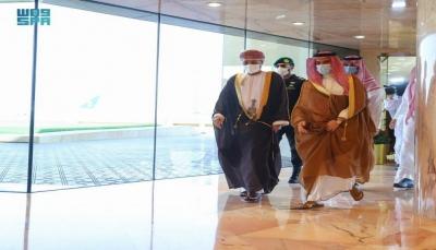 في ظل حراك دبلوماسي بشأن اليمن.. وزير الخارجية العُماني يصل الرياض