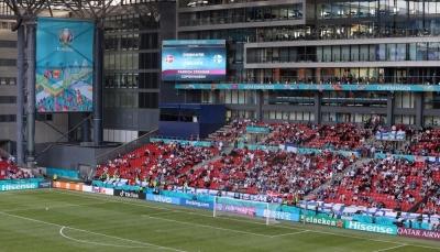 يويفا يقرر استئناف مباراة الدنمارك وفنلندا