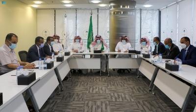 """الحكومة والانتقالي يؤكدان وقف التصعيد واستكمال تنفيذ """"اتفاق الرياض"""""""