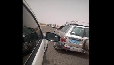 مليشيا الانتقالي تحتجز عشرات المسافرين في المدخل الشمالي لمحافظة لحج