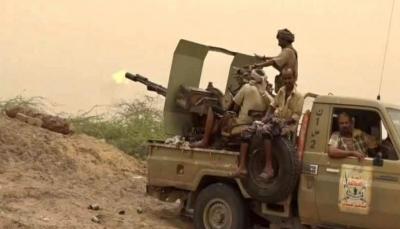 مصرع وإصابة مسلحين حوثيين وتدمير آليات في معارك جنوبي الحديدة