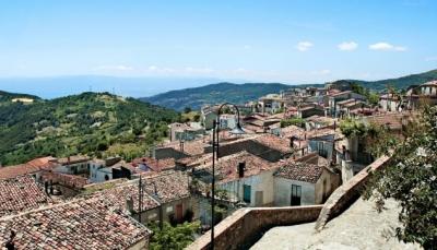 بشروط بسيطة.. قرى إيطالية تدفع 33 ألف دولار مقابل الانتقال إليها (صور)