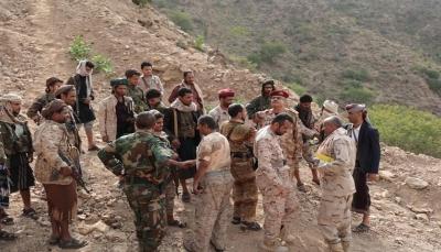 قيادة محور تعز تزور المرابطين في الجبهات وتشدد على رفع الجاهزية