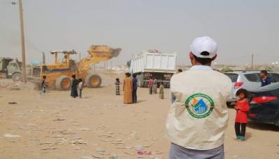 تدشين حملة نظافة شاملة في مخيم الجفينة جنوب مدينة مأرب