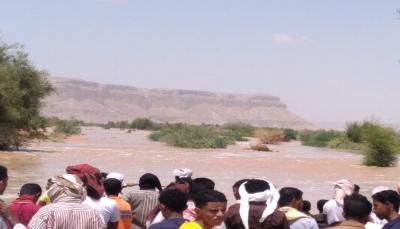 سيول جارفة تجتاح عدداً من قرى ومديريات حضرموت وإنقاذ عدداً من المحاصرين
