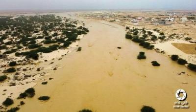وفاة شخصين غرقاً في سيول الأمطار بالمهرة