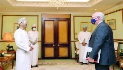 المبعوثان الأممي والأمريكي يصلان مسقط لعقد جولة مباحثات بشأن الملف اليمني