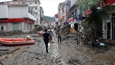 تركيا.. وفاة 27 شخصاً جراء فيضانات ضربت شمالي البلاد وإجلاء 323 آخرين