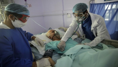 """يعملون على تزوير أسباب الوفاة.. الحوثيون يواجهون كورونا بإنكار صريح يهدد بمزيد من """"الخطر"""""""