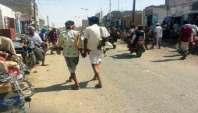 جرحى باشتباكات مسلحة بين قبليين في سوق أحور بأبين