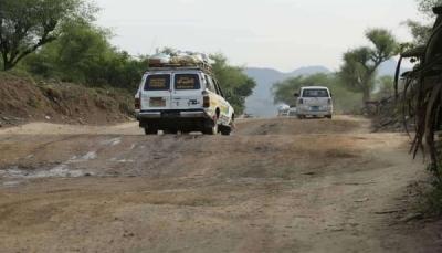 """حادث مروري يغلق طريق """"هيجة العبد"""" الرابط بين مدينتي تعز وعدن"""