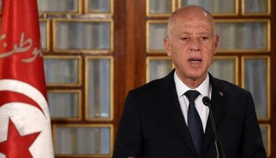 """تايمز: تونس.. الديمقراطية الوحيدة المنبثقة من الربيع العربي تنزلق نحو """"الدكتاتورية"""""""