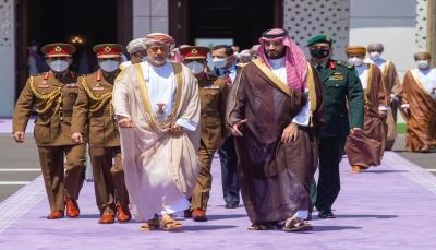 """""""رغم محدودية التقارب الأخير بين البلدين"""".. هل تساعد مسقط الرياض للخروج من حرب اليمن؟"""