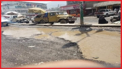 شوارع إب: الأمطار تفضح سوءة الانقلاب.. وناشطون يتساءلون: أين مليارات الإيرادات؟!
