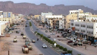 شبوة.. مجلس تنسيق الأحزاب يطالب بعودة الحكومة ورفع الحصار على الموانئ اليمنية