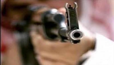 """إب.. مقتل طفل برصاص شقيقه في """"العدين"""" وشاب أخر جنوب المدينة"""