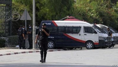 """على خطى """"محمد البوعزيزي"""" في2011.. رجل يحرق نفسه في قلب العاصمة التونسية"""
