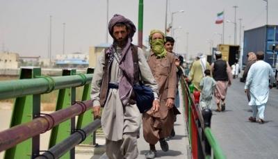 مسلحو طالبان يعثرون على 6 ملايين دولار وسبائك ذهب بمنزل نائب الرئيس الأفغاني (فيديو)