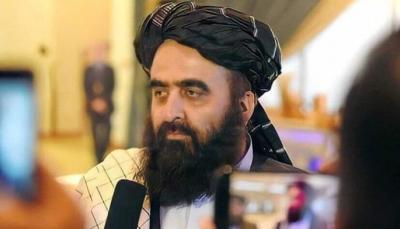 """أمريكا تعاملت ببشاعة مع ممتلكات الشعب.. وزير الخارجية بحكومة """"طالبان"""" يدعو للاستثمار في أفغانستان"""