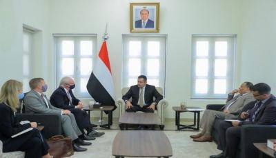 الحكومة تطلب ضغط دولي على الحوثيين لوقف التصعيد كأولى خطوات الحل السياسي