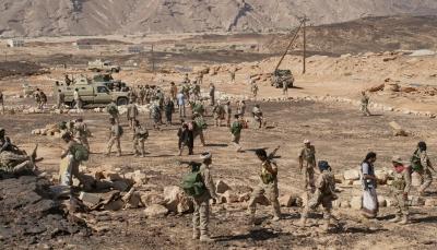 """""""تصعيد عسكري جديد"""".. لماذا يندفع الحوثيون جنوباً في ظل الاحتجاجات المنددة بتردي الخدمات؟"""