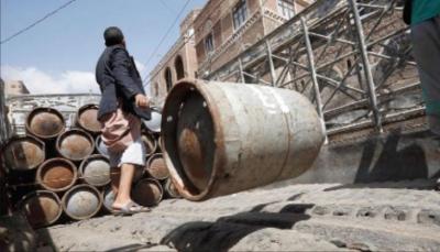 صنعاء.. الحوثيون يخصصون توزيع الغاز المنزلي على المشاركين في احتفالاتهم