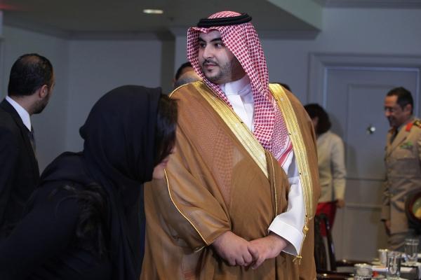 """""""فورين بوليسي"""" تكشف تفاصيل مثيرة وتتساءل: هل يتمكن أمير سعودي من إنهاء حرب اليمن؟ (الترجمة كاملة)"""