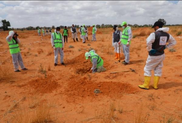 الجنائية الدولية تطلب من ليبيا لائحة اتهام للمتورطين في المقابر الجماعية وزرع الألغام