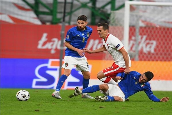 مواجهة حماسية بين بولندا وإيطاليا تنتهي بتعادل سلبي