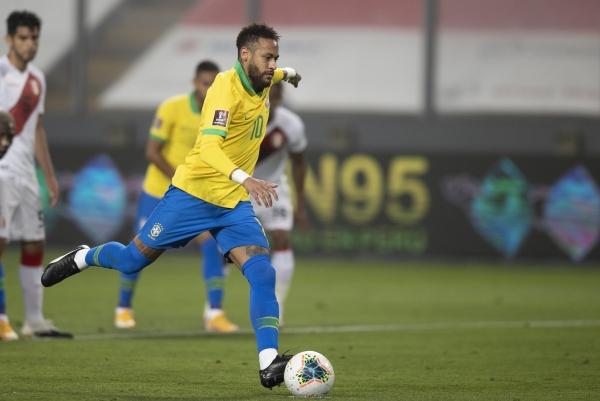 هاتريك نيمار يقود البرازيل لقهر البيرو بتصفيات مونديال 2022
